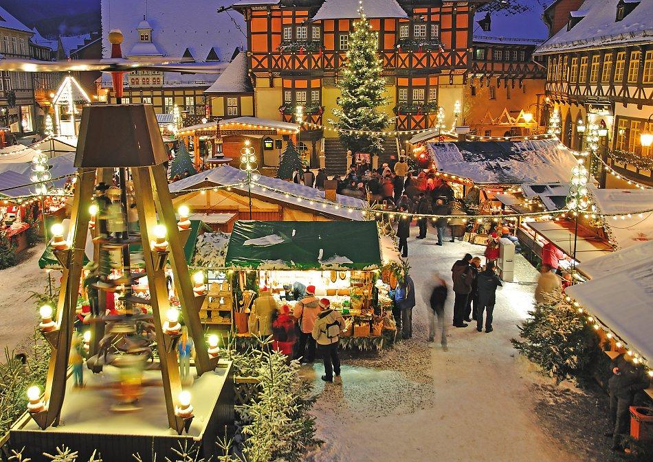 Weihnachtsmarkt Wernigerode In Den Höfen.Schwertheim Touristik Advent In Den Höfen
